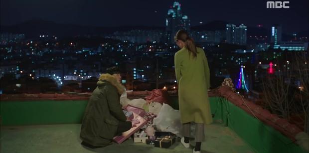 Two Cops: Jo Jung Suk, Hyeri bất ngờ khóa môi ngọt ngào - Ảnh 1.