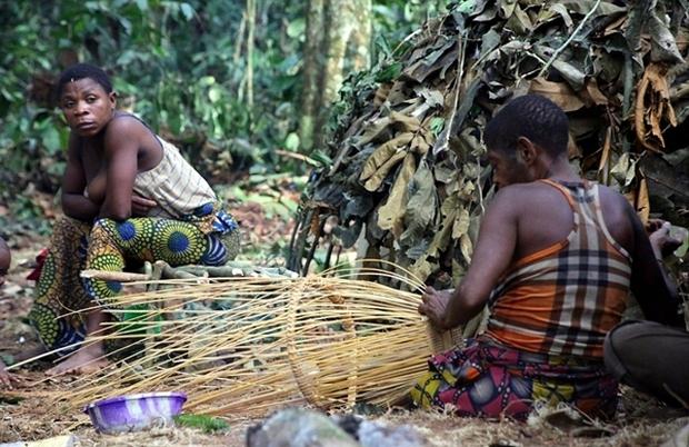 Bên trong bộ lạc gần 50% trẻ em không thể sống quá 5 tuổi ở châu Phi - Ảnh 10.