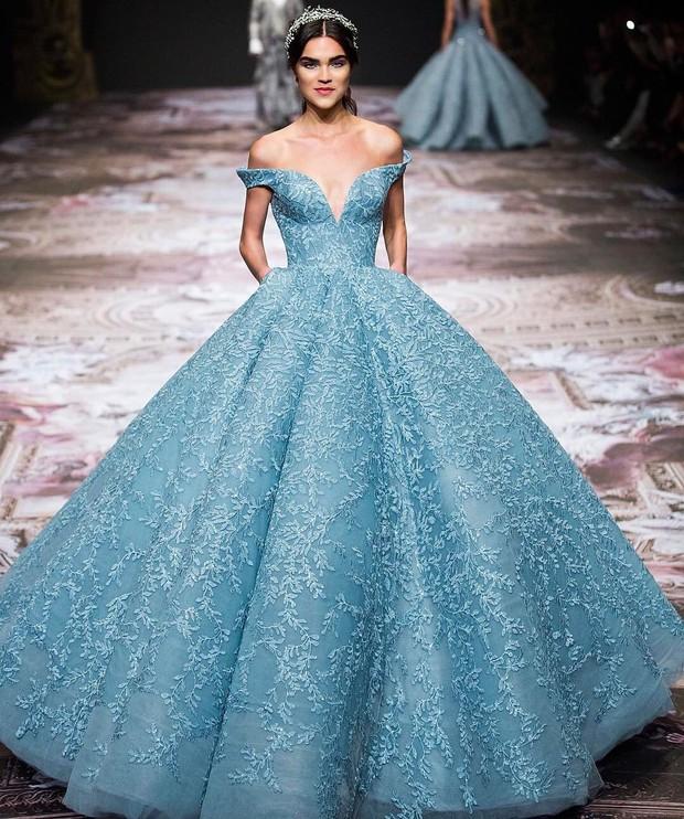 Cận cảnh chiếc đầm Lọ Lem đẹp nín thở của Hoa hậu đẹp nhất thế giới Aishwarya Rai trên thảm đỏ Cannes - Ảnh 10.