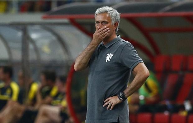 Quỷ đỏ Man Utd đen đủ đường - Ảnh 1.
