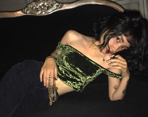 Hiếm ai được như Louis Hà, hot girl mi nhon chỉ diện crop top và quần cạp cao mà vẫn đẹp quên sầu - Ảnh 11.