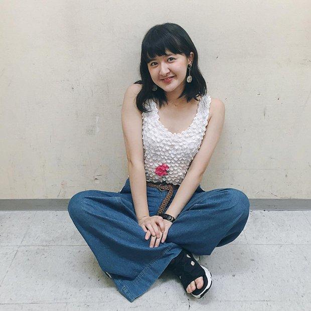 Áo phông bỏng ngô, mẫu áo sến súa từ vài chục năm trước nay lại được con gái Nhật thi nhau diện - Ảnh 10.