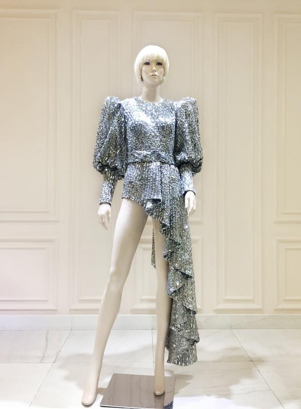 Sau Rihanna, đến lượt Katy Perry diện thiết kế của Công Trí và diện hẳn 3 bộ! - Ảnh 7.