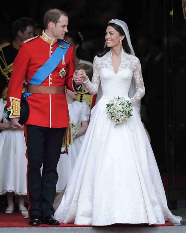 Bạn có nhận ra váy cưới của Hoa hậu Thu Thảo giống váy cưới của Công nương Grace Kelly đến bất ngờ? - Ảnh 10.