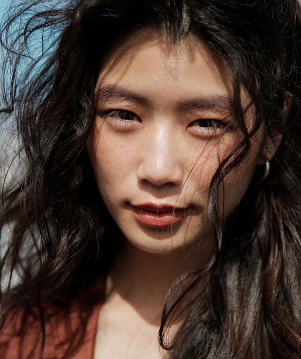 10 xu hướng makeup mùa thu tuyệt đẹp từ sàn runway con gái châu Á có thể áp dụng ngon ơ - Ảnh 24.