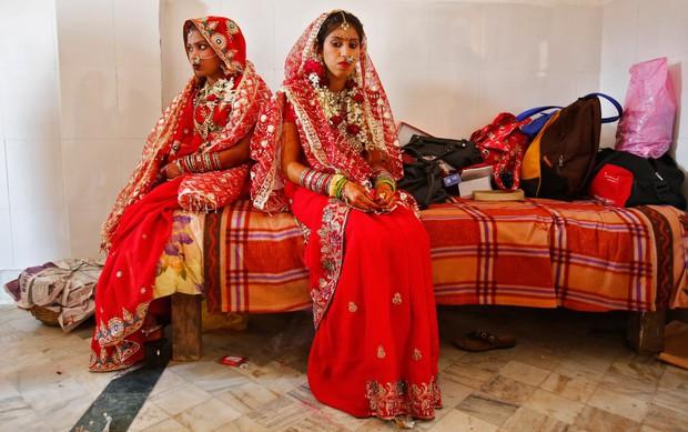 Cùng ngắm thêm 22 bộ váy cưới truyền thống tuyệt đẹp trên toàn thế giới - Ảnh 21.