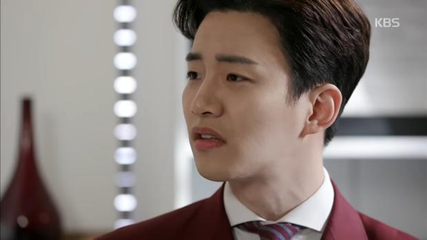 """""""Sếp Kim"""" siêu lầy: Nam Goong Min """"cosplay"""" cảnh catwalk kinh điển của Goblin - Ảnh 15."""