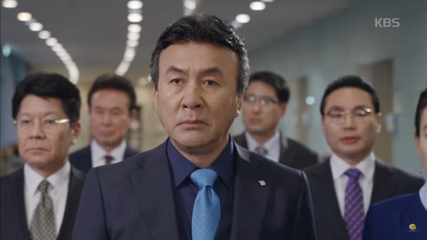 """""""Sếp Kim"""": Diện vest bảnh bao, Nam Goong Min và Jun Ho """"song kiếm hợp bích"""" - Ảnh 12."""