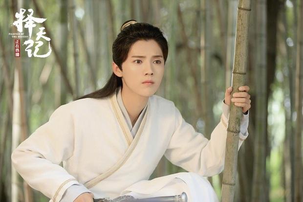 """Đây là cách Luhan phản pháo khi được khen """"xinh hơn nữ chính""""! - Ảnh 10."""