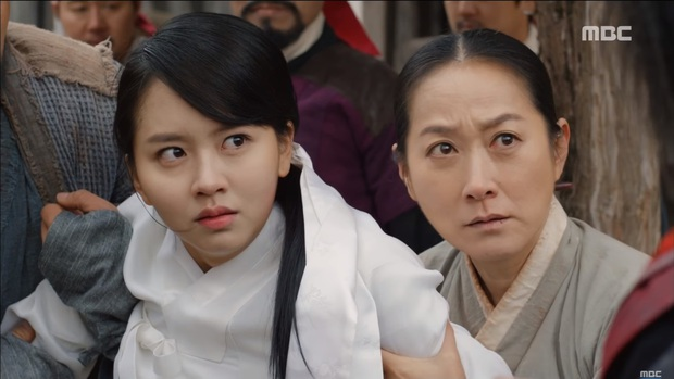 """""""Mặt Nạ Quân Chủ"""": Yoo Seung Ho đội mồ sống dậy, về quê vác giỏ kiếm cơm - Ảnh 16."""