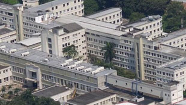 Tai nạn hi hữu: Bác sĩ thiệt mạng vì bị nữ y tá ngã từ tầng 6 rơi trúng người - Ảnh 1.