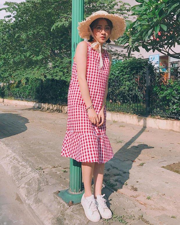 Bộ váy này đang được con gái Việt diện suốt trên Instagram, chứng tỏ gingham là hot trend phá đảo Hè 2017 - Ảnh 11.