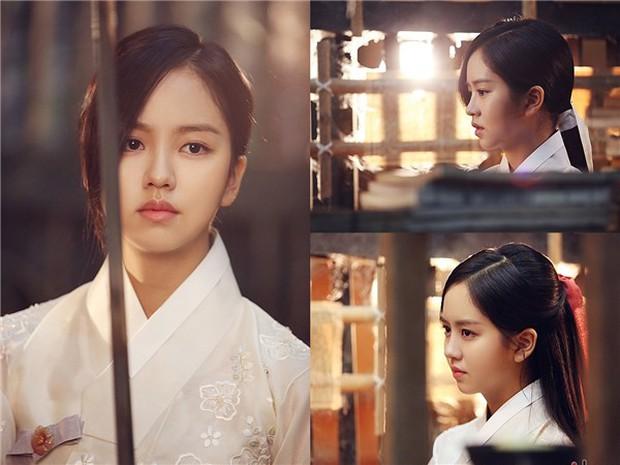 5 người tình màn ảnh của Yoo Seung Ho: Người đẹp nhất lại gây ngán ngẩm nhiều nhất - Ảnh 8.