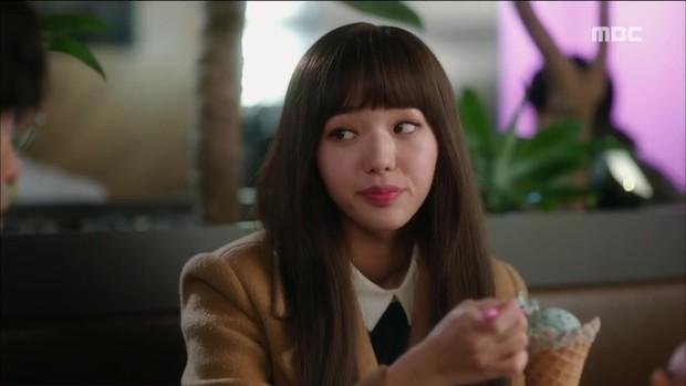 Mặc thân phận sắp bị lộ, robot chủ động cướp nụ hôn đầu của Yoo Seung Ho - Ảnh 13.