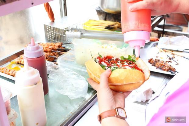 Có một thiên đường thịt xiên ở Hà Nội vừa ngon vừa rẻ bán cả ngày - Ảnh 8.