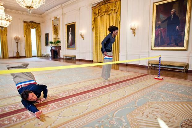 Dù phải chia tay thế nhưng người ta sẽ mãi nhớ về bà Michelle Obama với 30 hình ảnh này - Ảnh 23.