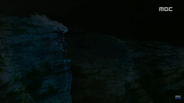 Missing 9: Người sống sót thứ 4 cuối cùng cũng lộ diện! - Ảnh 13.