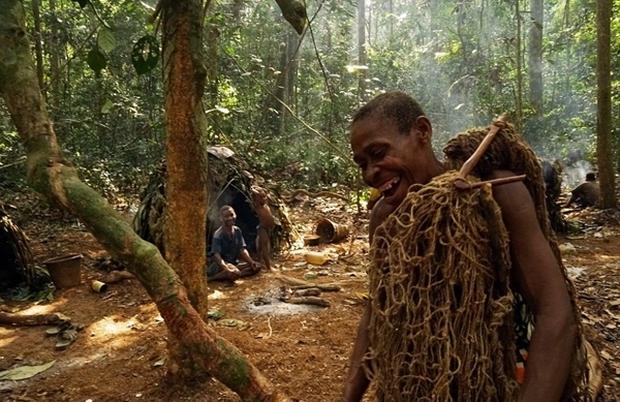 Bên trong bộ lạc gần 50% trẻ em không thể sống quá 5 tuổi ở châu Phi - Ảnh 12.