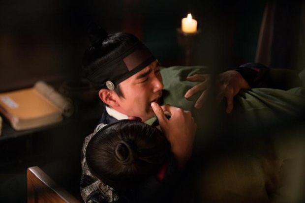 """Nước mắt của """"quân chủ"""" Yoo Seung Ho: Không chỉ vì gái đẹp! - Ảnh 7."""