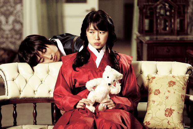 16 phim Hàn đặc sắc dính líu tới những bộ manhwa nổi tiếng - Ảnh 8.