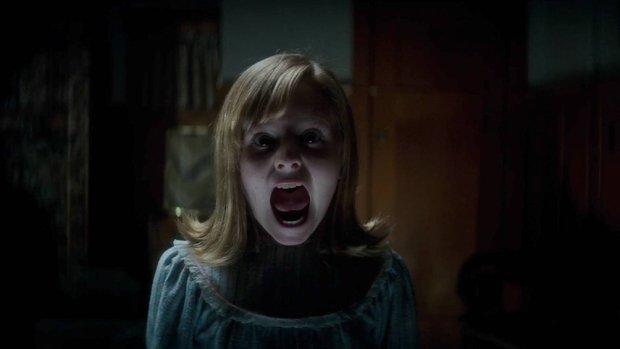 Đây là 2 cô bé khiến cho búp bê ma Annabelle cũng phải khóc nhè bỏ chạy - Ảnh 12.