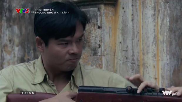 Thương nhớ ở ai tập 4: Vạn chĩa súng đòi giết Đột, sau đó nhận ra mình thật dại dột! - Ảnh 12.