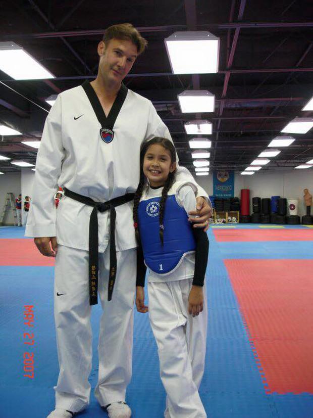 Vẻ đẹp lai của hot girl Taekwondo Campuchia gây sốt tại SEA Games 29 - Ảnh 6.