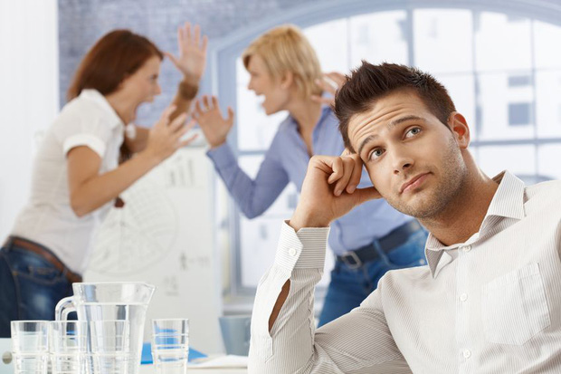Người Nhật đã chứng minh: làm việc ở quán cafe cho năng suất cao hơn văn phòng công ty - Ảnh 2.