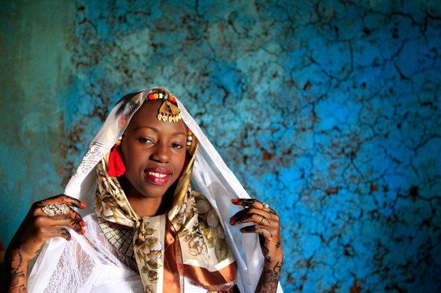 Cùng ngắm thêm 22 bộ váy cưới truyền thống tuyệt đẹp trên toàn thế giới - Ảnh 26.