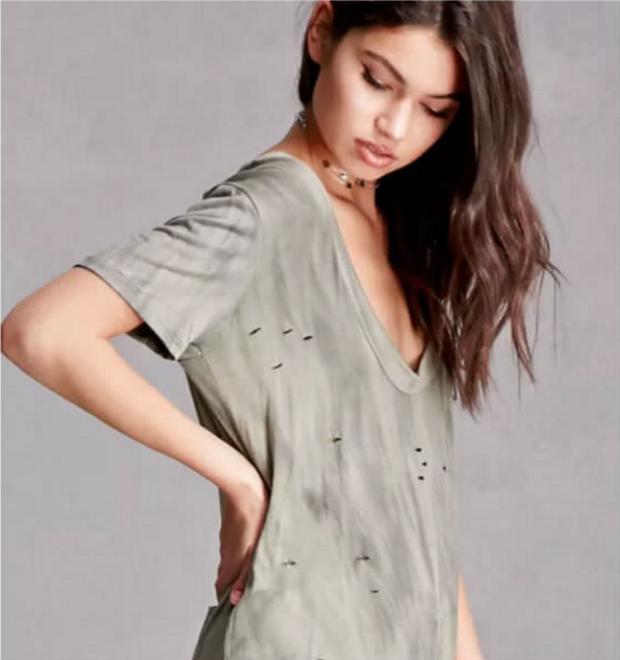 15 điều trời hành khi ăn mặc mà chỉ cô nàng sở hữu vòng 1 phẳng như tường thành mới thấu hiểu - Ảnh 11.
