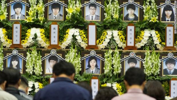 Xem về văn hóa nuôi dạy trẻ của người Hàn Quốc qua thảm họa phà Sewol - Ảnh 2.
