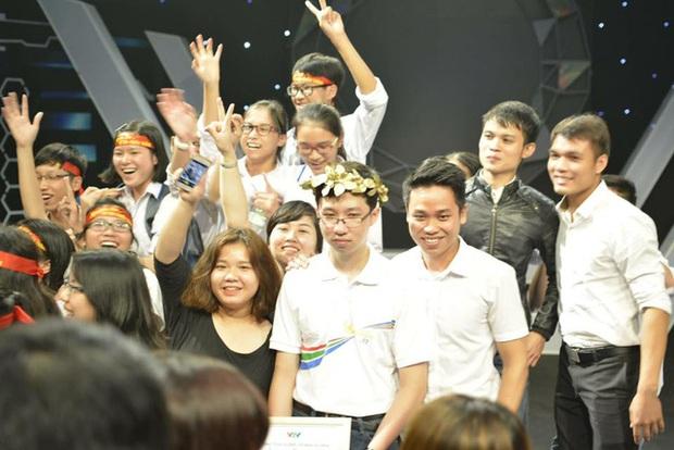 Bản lĩnh nhà vô địch Olympia Phan Đăng Nhật Minh: Học xong chương trình lớp 11 từ cuối cấp 2 - Ảnh 3.