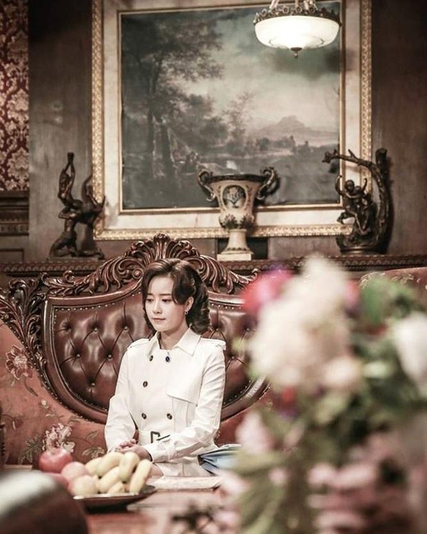 """""""Đá"""" Goo Hye Sun, phim về ông trùm TVB của Trương Hàn mới được phát sóng! - Ảnh 4."""