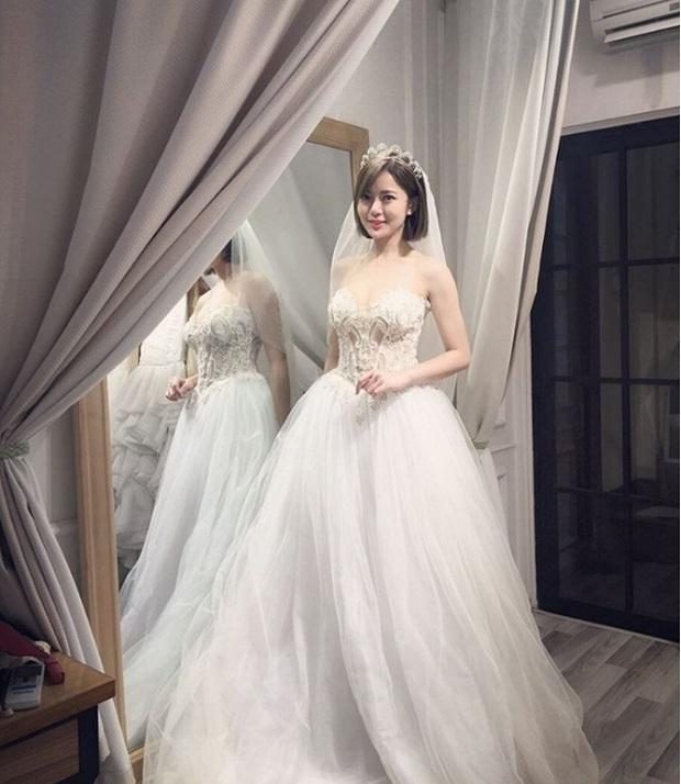 Chụp ảnh cưới ở Đà Lạt, hot girl Tú Linh sắp theo chồng bỏ cuộc chơi? - Ảnh 4.