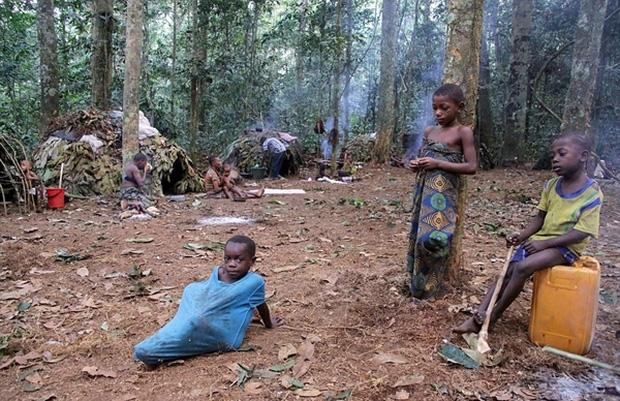 Bên trong bộ lạc gần 50% trẻ em không thể sống quá 5 tuổi ở châu Phi - Ảnh 15.
