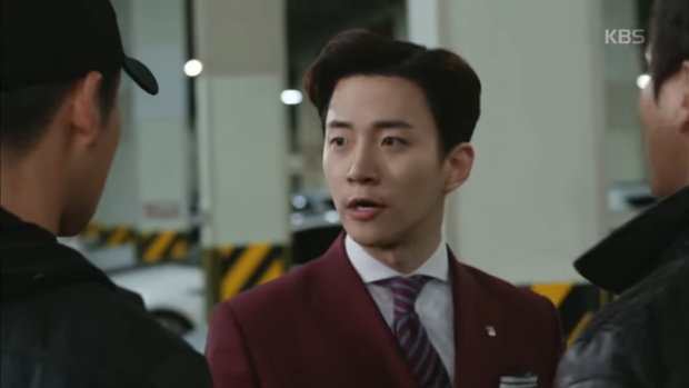"""""""Sếp Kim"""" siêu lầy: Nam Goong Min """"cosplay"""" cảnh catwalk kinh điển của Goblin - Ảnh 21."""