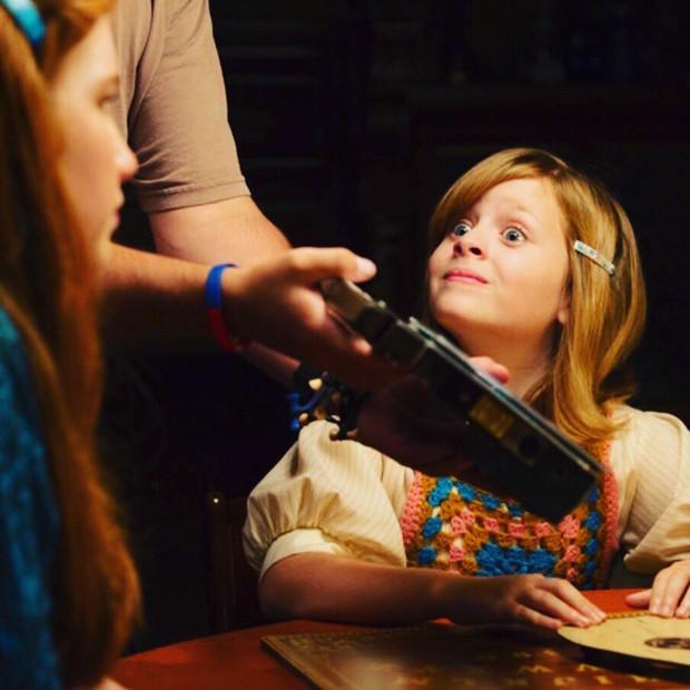 Đây là 2 cô bé khiến cho búp bê ma Annabelle cũng phải khóc nhè bỏ chạy - Ảnh 15.