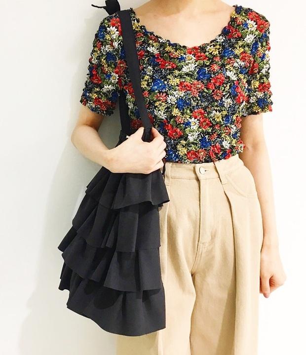 Áo phông bỏng ngô, mẫu áo sến súa từ vài chục năm trước nay lại được con gái Nhật thi nhau diện - Ảnh 15.