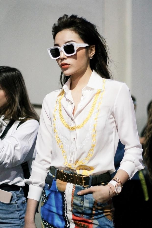 Tới Milan Fashion Week, Kỳ Duyên đầu tư kỹ lưỡng và xuất hiện ngay trên hàng ghế đầu show Moschino - Ảnh 6.