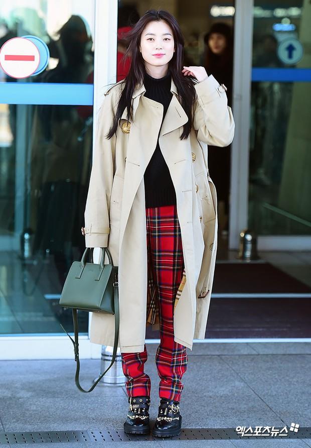 Chỉ với 2 hình ảnh sân bay chớp nhoáng này, Han Hyo Joo đã vươn lên thành nữ hoàng nhan sắc Kbiz? - Ảnh 3.