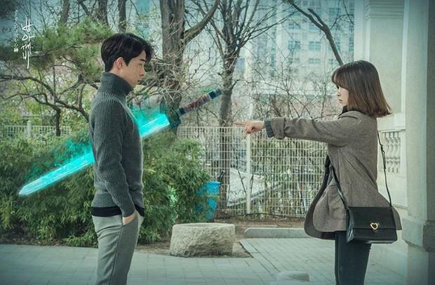Hưởng ứng theo trào lưu Goblin, G-Dragon bị ném đá tơi bời vì kém cạnh Gong Yoo - Ảnh 9.