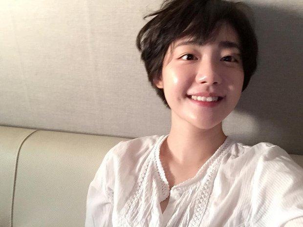 Cô bạn Hàn Quốc với nụ cười má lúm làm xiêu lòng mọi chàng trai - Ảnh 9.
