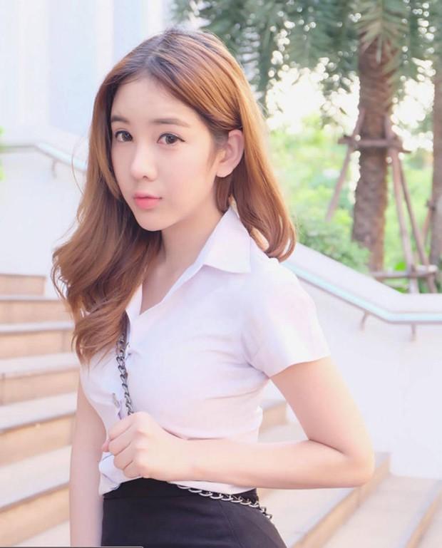 Vẻ đẹp khó cưỡng của những bóng hồng chuyển giới trong đợt tuyển nghĩa vụ quân sự Thái Lan - Ảnh 17.
