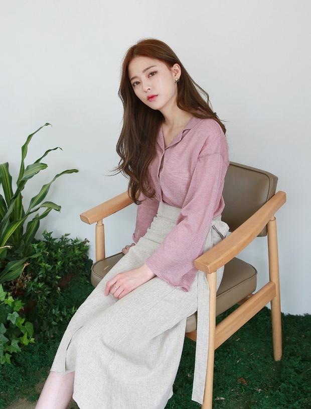 Áo dệt kim: lại thêm chiếc áo không thể thiếu của mùa thu bởi nàng nào diện vào cũng dịu dàng hơn bội phần - Ảnh 17.