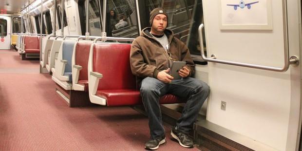 Hội chứng... mông chết là cơn ác mộng rất nghiêm trọng đối với những người ngồi nhiều - Ảnh 2.