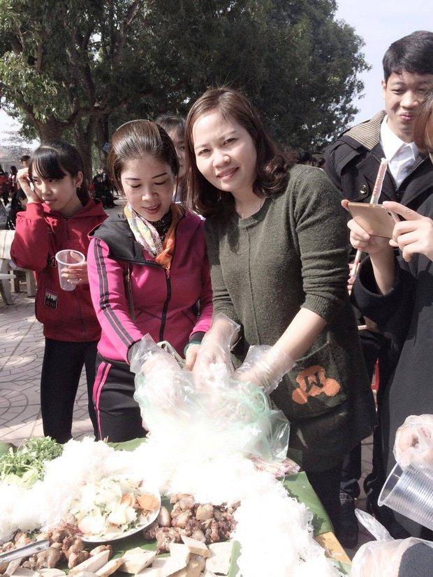 Chưa từng có: Tiệc tất niên với suất bún chả dài... 6 mét của học sinh Bắc Giang - Ảnh 5.