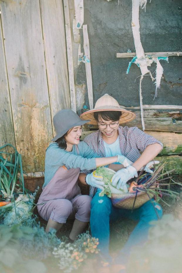 Chỉ cần yêu nhau thật nhiều thì ảnh cưới chụp ở... vườn rau cũng khiến người ta xuýt xoa - Ảnh 3.
