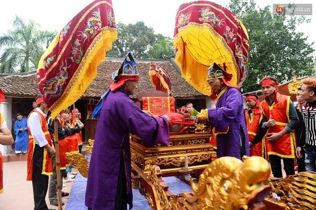 Lễ hội cướp phết ở Vĩnh Phúc năm nay không còn cảnh tranh cướp - Ảnh 6.