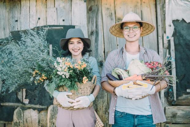Chỉ cần yêu nhau thật nhiều thì ảnh cưới chụp ở... vườn rau cũng khiến người ta xuýt xoa - Ảnh 27.