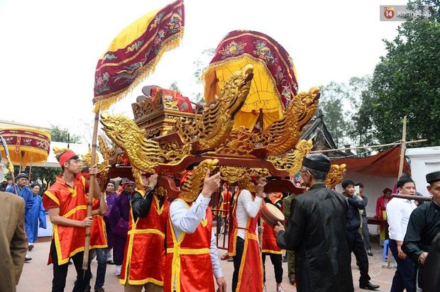 Lễ hội cướp phết ở Vĩnh Phúc năm nay không còn cảnh tranh cướp - Ảnh 8.